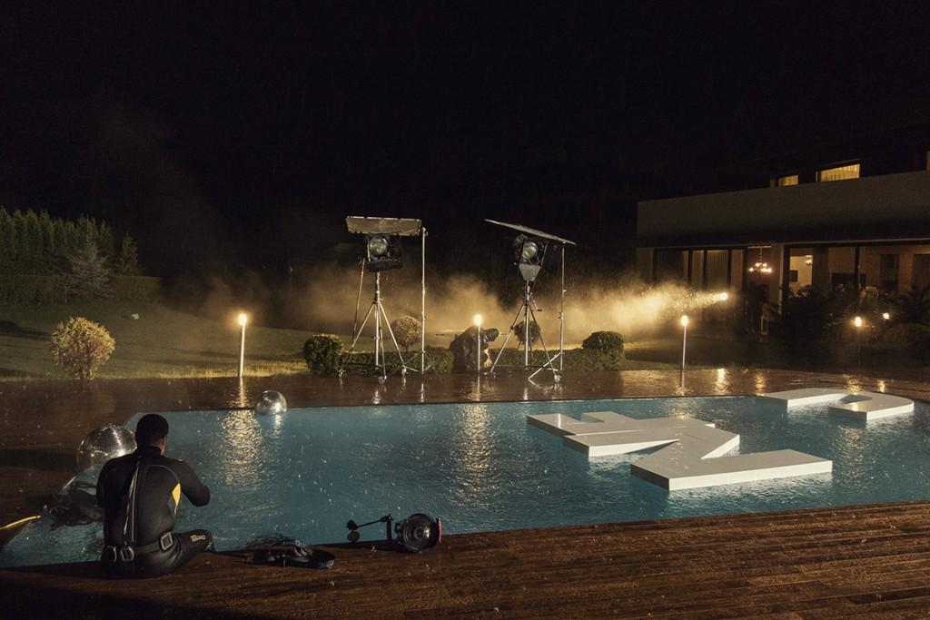 MAKING-OF-IVAILO-STANEV-UNDERWATER PHOTOGRAPHER-by-CREATIVE-HALL-Studio-VODKA_FLIRT-16-1
