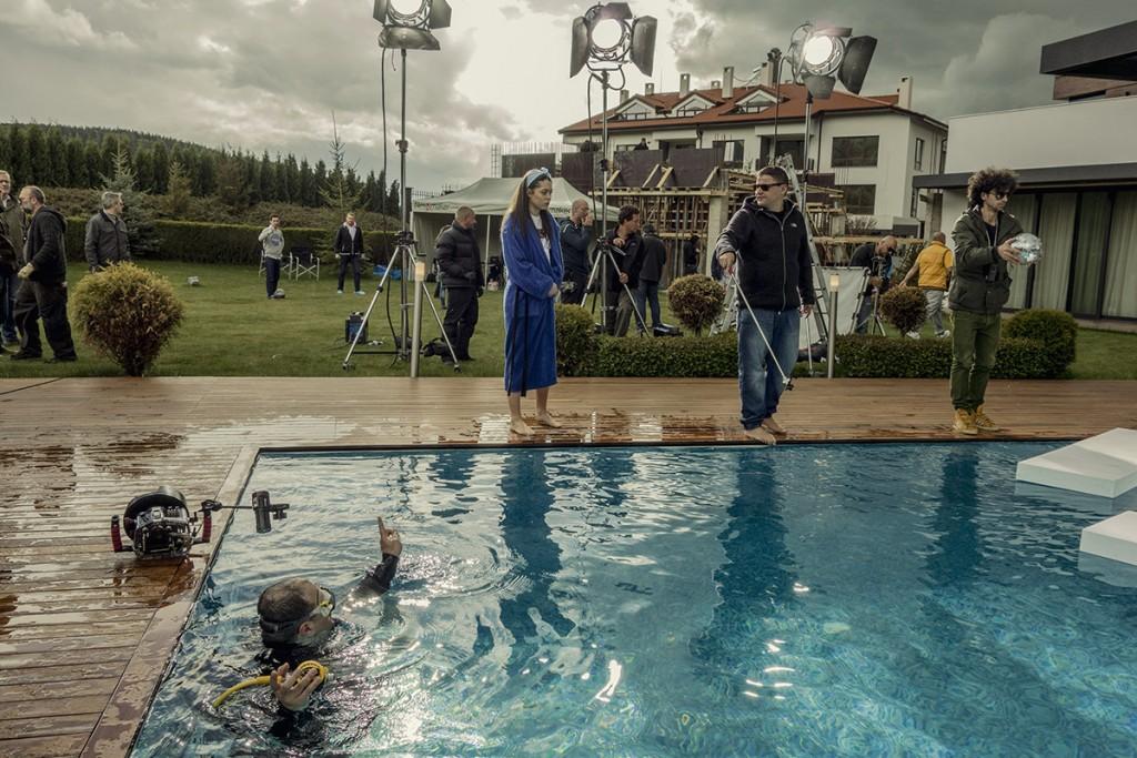 MAKING-OF-IVAILO-STANEV-UNDERWATER PHOTOGRAPHER-by-CREATIVE-HALL-Studio-VODKA_FLIRT-5-2